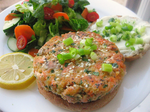Sesame Salmon Burgers with Dill Yogurt Sauce!