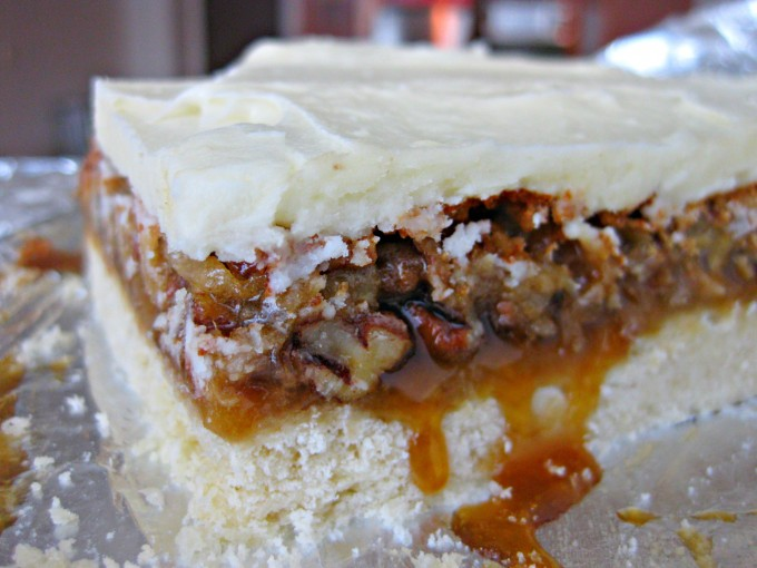 The only thing that could beat the best pecan pie recipe is frosted pecan pie bars! One of our favorite Thanksgiving desserts is now mini and portable!