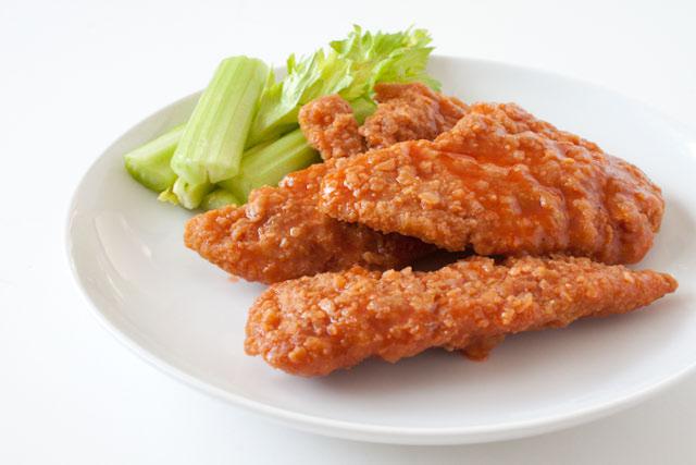 http://www.canyoustayfordinner.com/wp-content/uploads/2010/11/crispy-buffalo-chicken-1.jpg