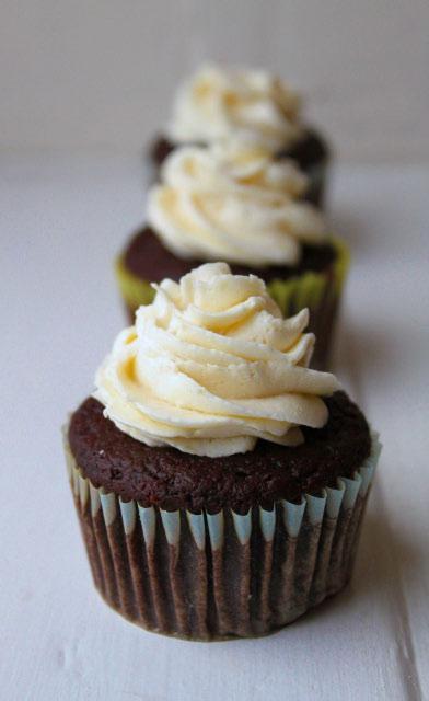 100 Calorie Chocolate Cupcakes