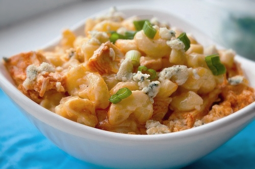 healthy buffalo chicken mac and cheese