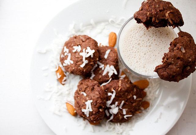 dark chocolate almond joy cookies