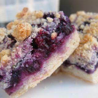 cupcakes-bluberry-crumb-chili-025_edited-1.jpg