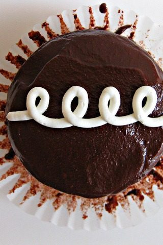 How to Make Homemade Hostess Cakes