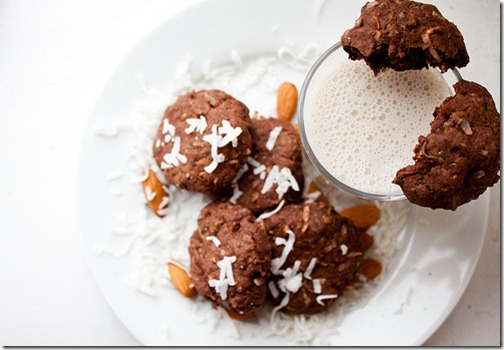 dark_chocolate_almond_joy_cookies