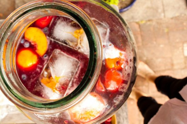 Easy Summertime Pineapple Sangria