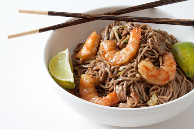 Soba Noodle Salad Recipe with Shrimp and Peanut Ginger Dressing! Easy to make, super healthy, and super flavorful!