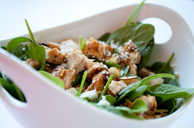 Spinach Salad with Chicken, Feta, Almonds, and a Fresh Strawberry Dressing Recipe! 385 delicious, good-for-you calories!
