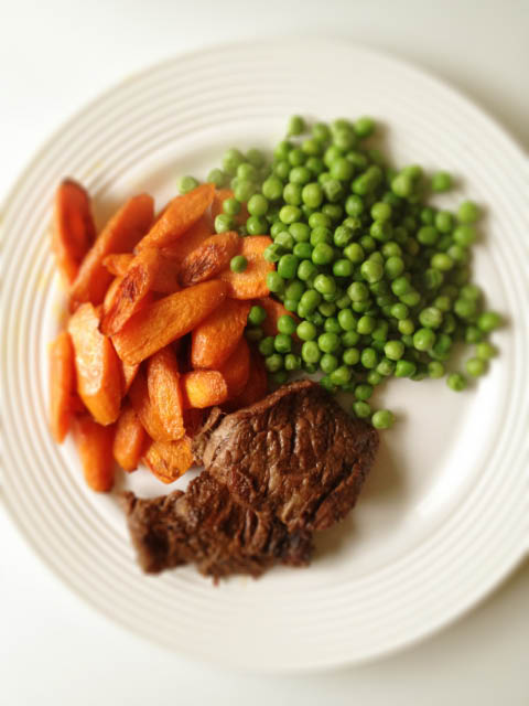 steak peas and carrots