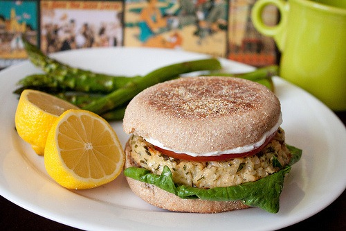 lemon garlic tuna burgers