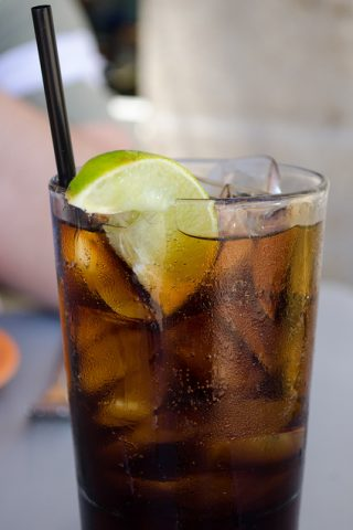 Should you drink diet soda if you want to lose weight?