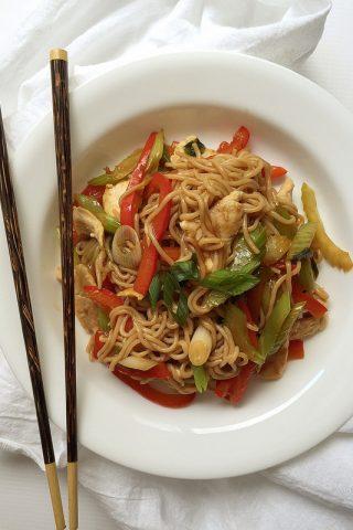 Easy Healthy Chicken Lo Mein Under 250 Calories
