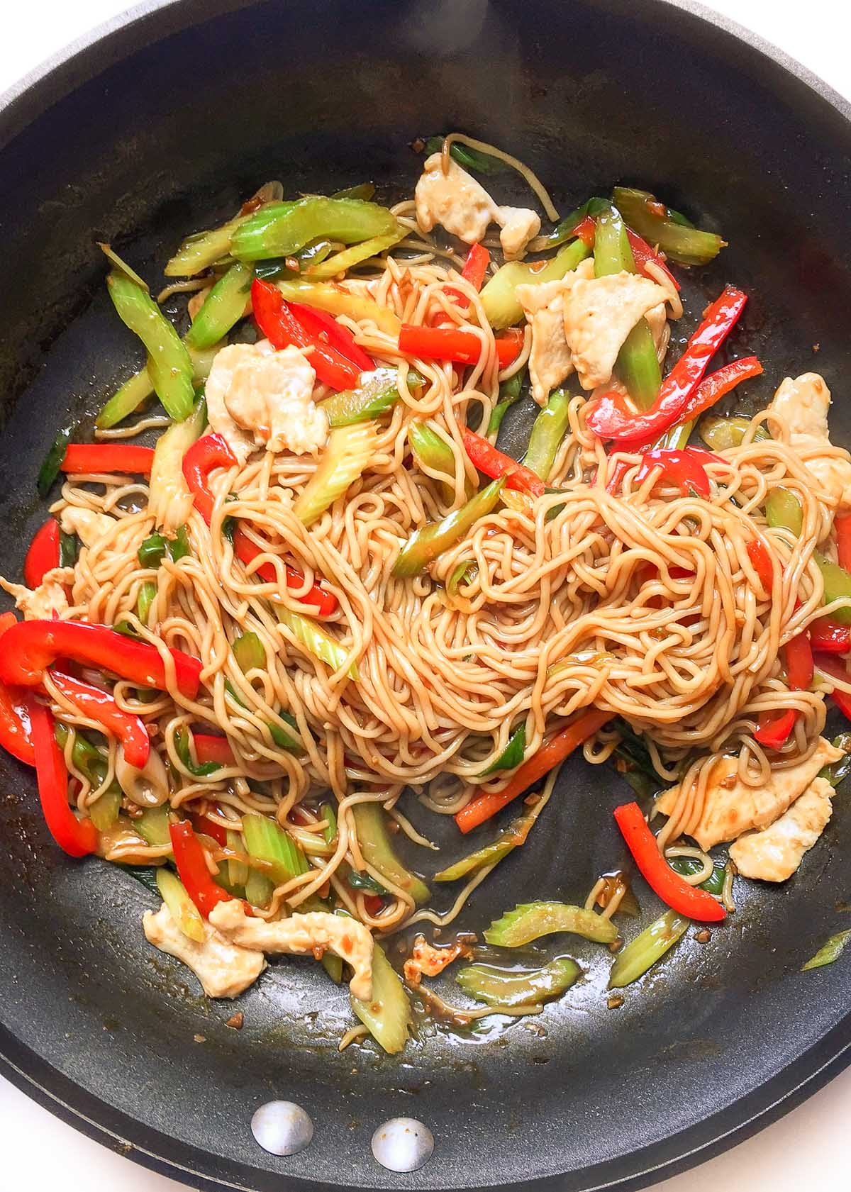 Easy Healthy Chicken Lo Mein Recipe