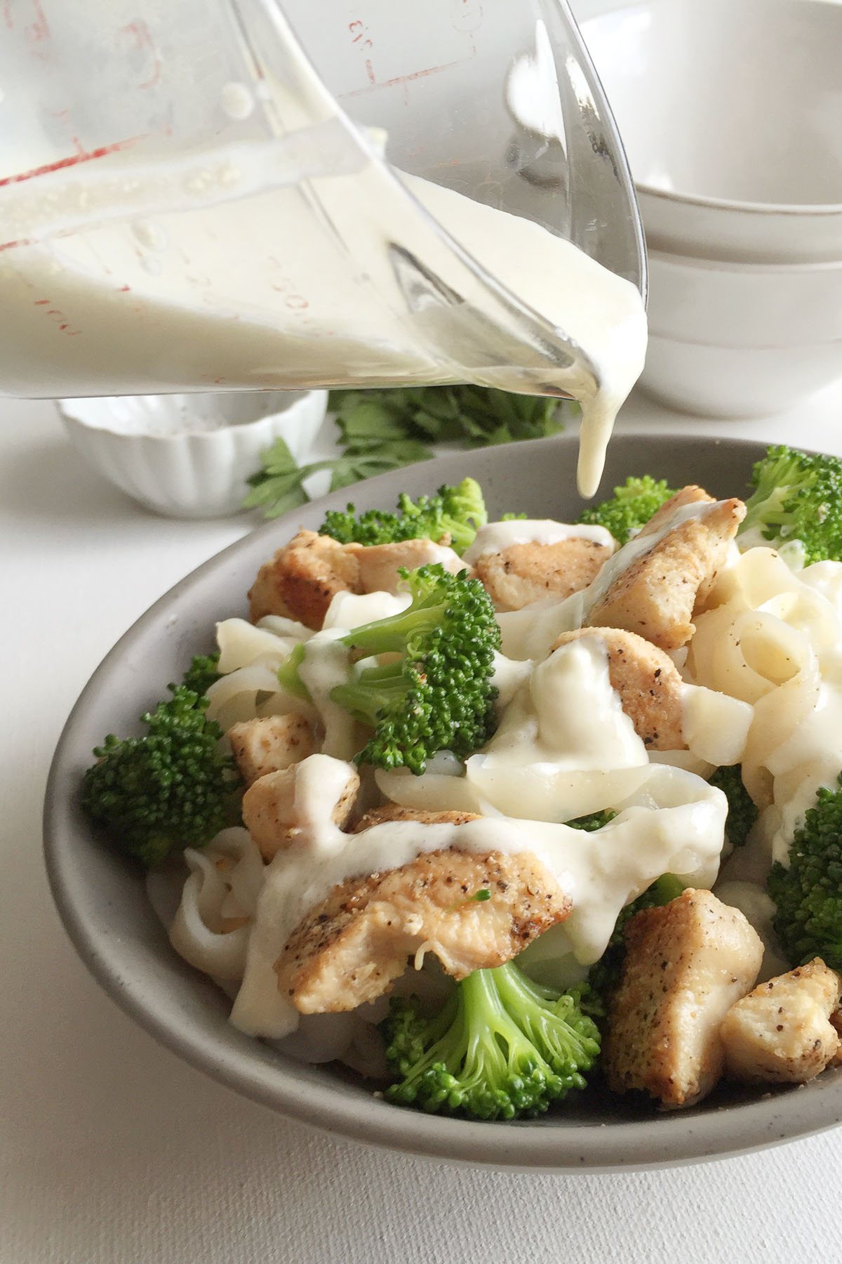Healthy Chicken Broccoli Fettuccine Alfredo