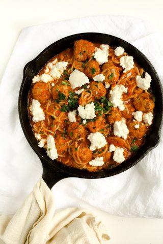 One Pot Cheesy Spaghetti and Meatballs