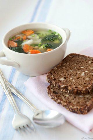 30 Minute Healthy Vegetable Soup (169 Calories!)