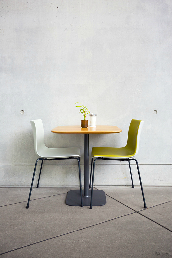 table and chairs - photo copyright auris