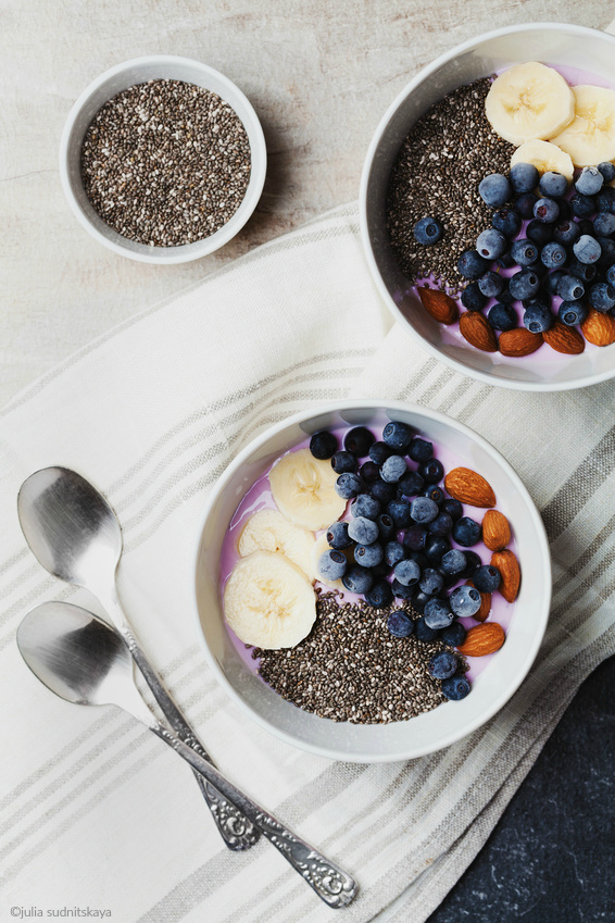 Smoothie bowl - photo by Julia Sudnitskaya