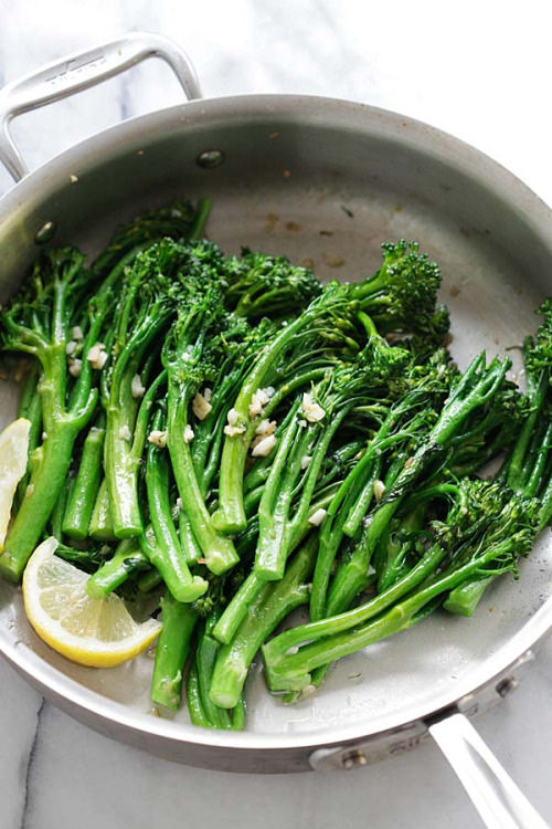 broccolini with garlic and lemon - photo by Med Coolman on flickr