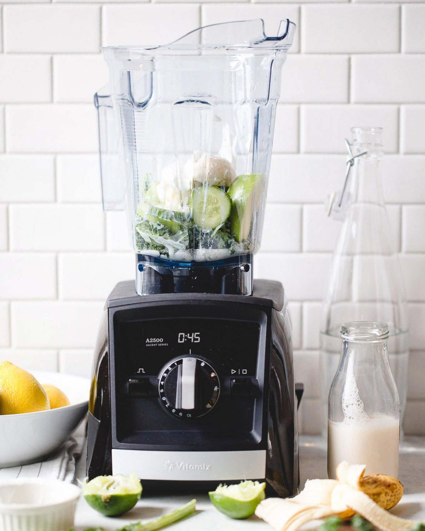 Making a Green Smoothie in the Vitamix